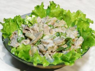 Салат из курицы и шампиньонов