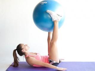 Упражнения  на мяче  для похудения