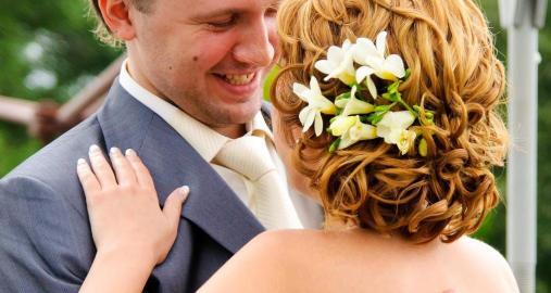 Свадебная прическа на короткие волосы