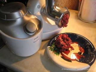 Как выбрать электрическую мясорубку